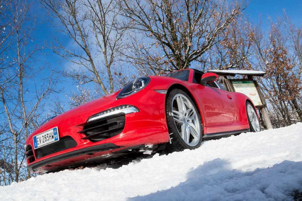 Porsche 911 Targa 4, il nuovo cofano e le nuove prese aria a clip