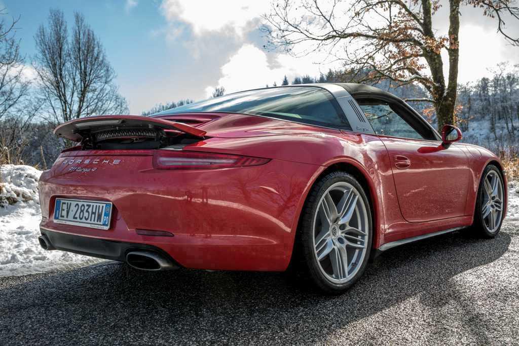 Porsche 911 Targa 4, posteriore più avvolgente e largo per la nuova Targa 4