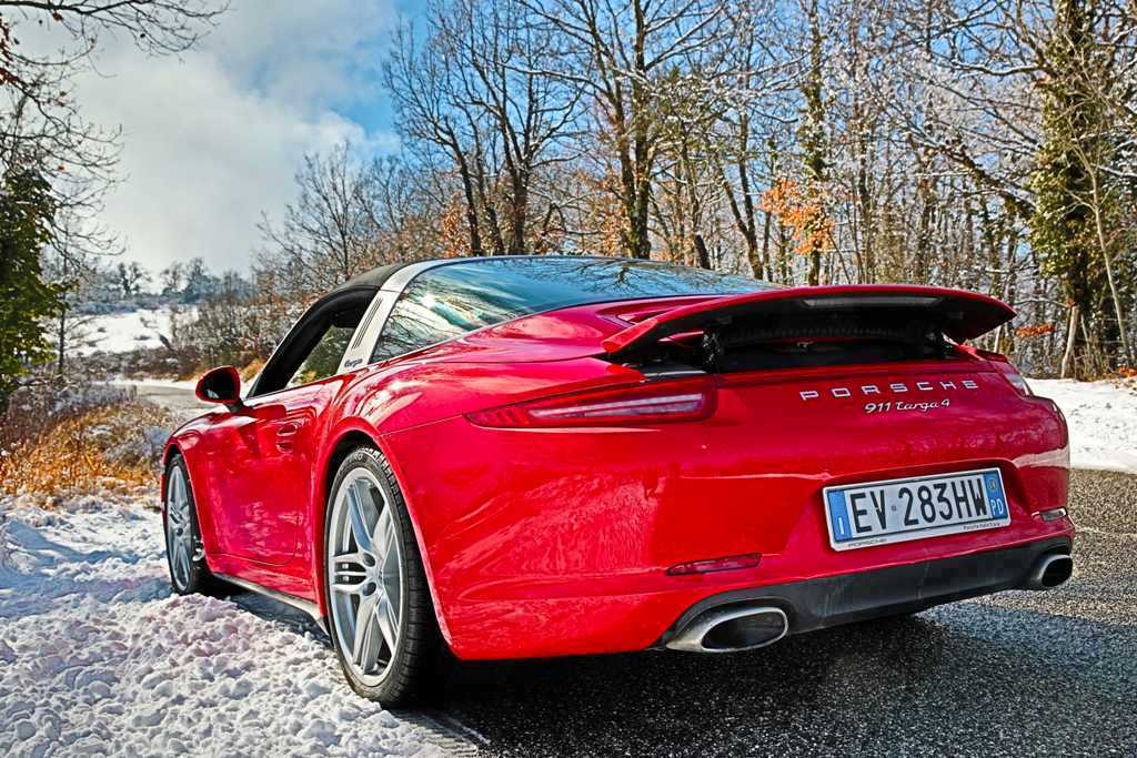 Porsche 911 Targa 4, lo scarico sportivo offre sound più cupo e più performance