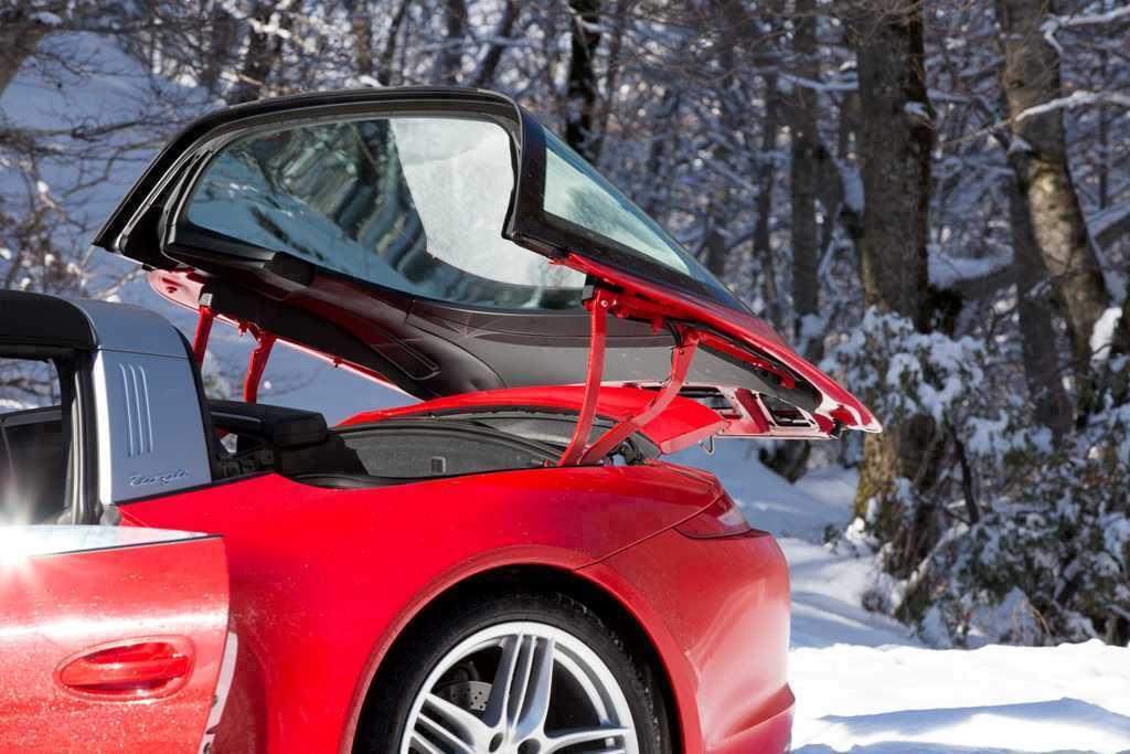 Porsche 911 Targa 4, il tetto a scomparsa è la vera novità della nuova Targa