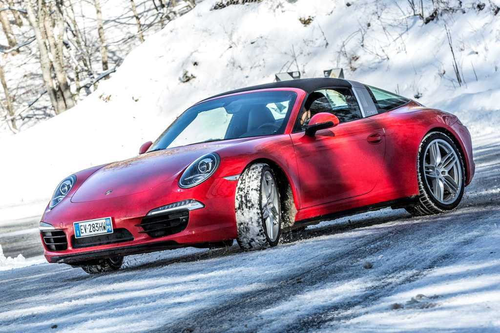 Porsche 911 Targa 4, nessun rollio, vettura sempre bilanciatissima