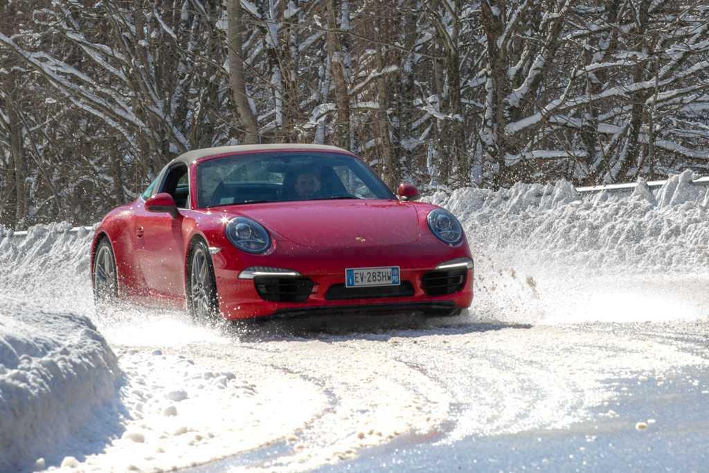 Porsche 911 Targa 4, 350 Cv ampiamente gestibili in ogni situazione