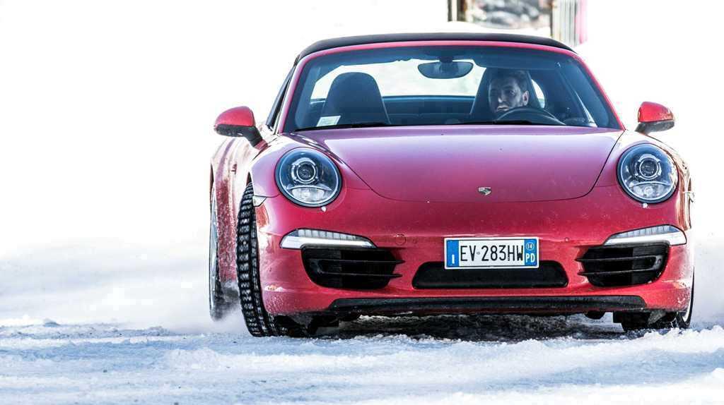 Porsche 911 Targa 4, massima trazione con il PTM anche su fondo nevoso