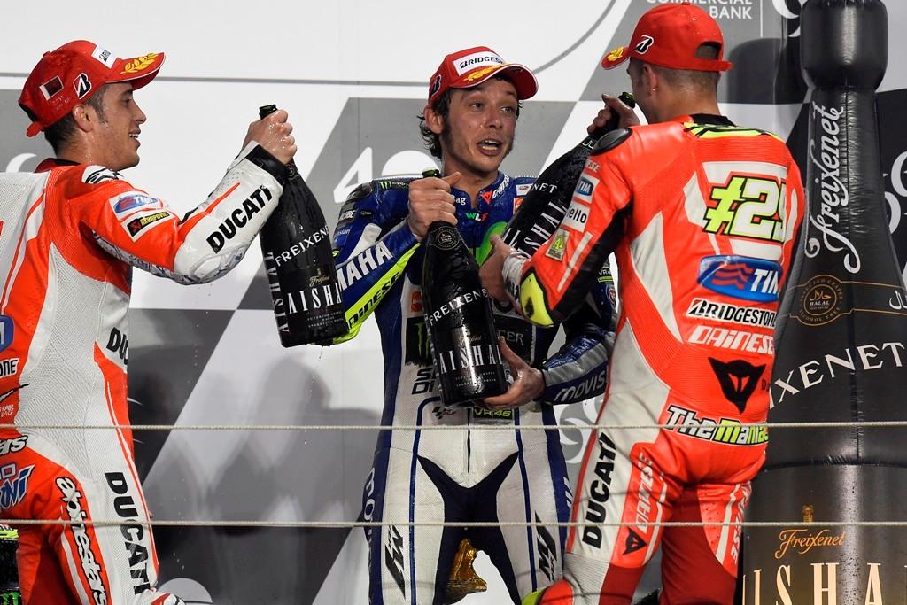 MotoGP Qatar 2015, podio, Rossi, Dovizioso, Iannone