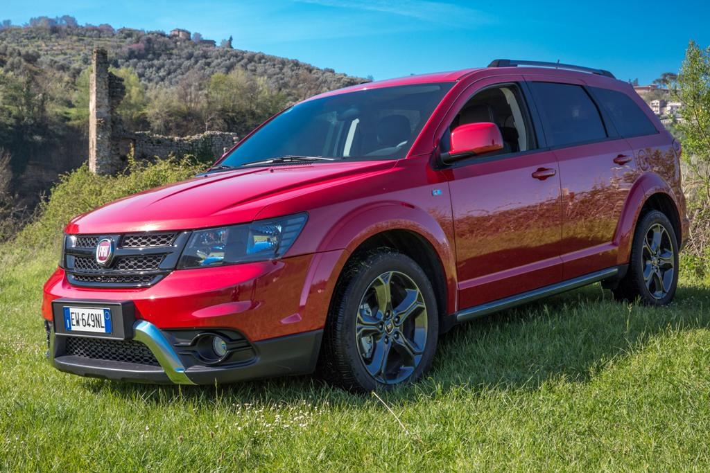 Freemont Cross, nuova versione all terrain per un SUV grande e confortevole per tutti