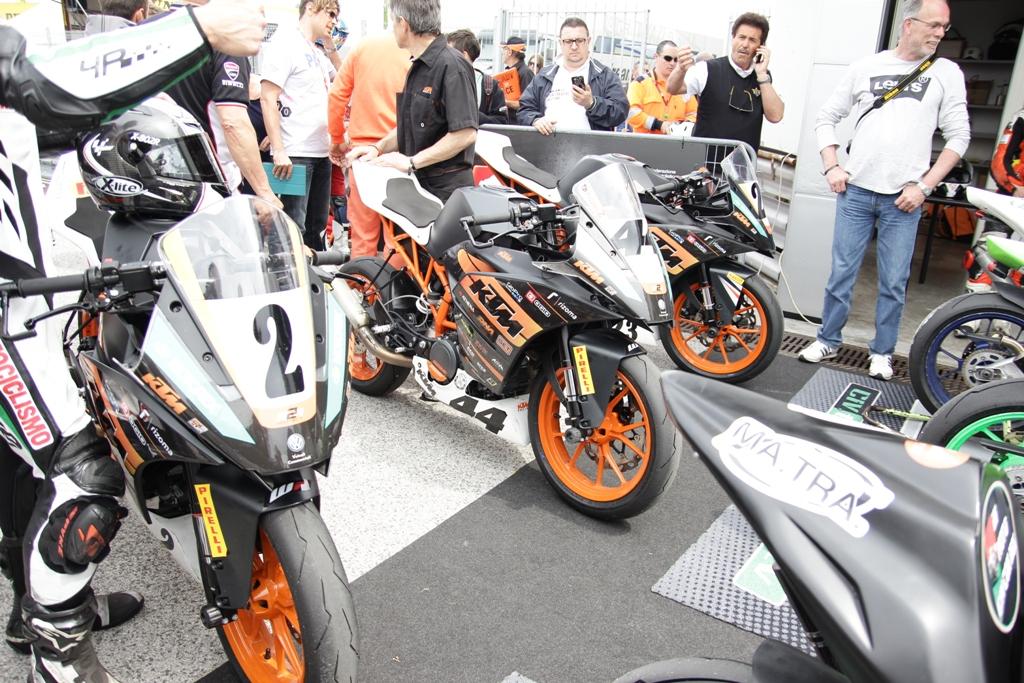 CIV 2015, fine gara della SP 4T con le RC390 del Trofeo