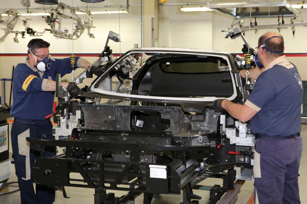 Alfa Romeo 4C, artigianalità per l'assemblaggio della 4C