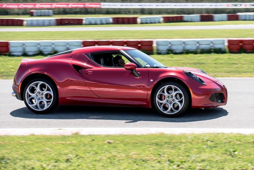 Alfa Romeo 4C, tagliente e sempre precisa
