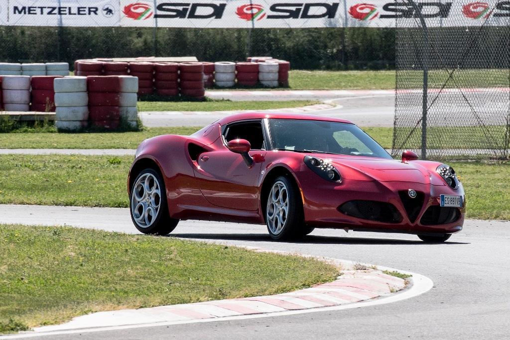 Alfa Romeo 4C, in pista il massimo