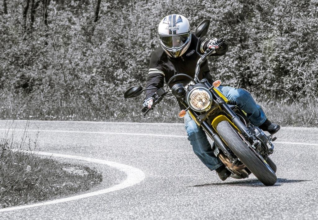Scrambler Ducati Icon, divertente e poco impegnativa anche nel misto