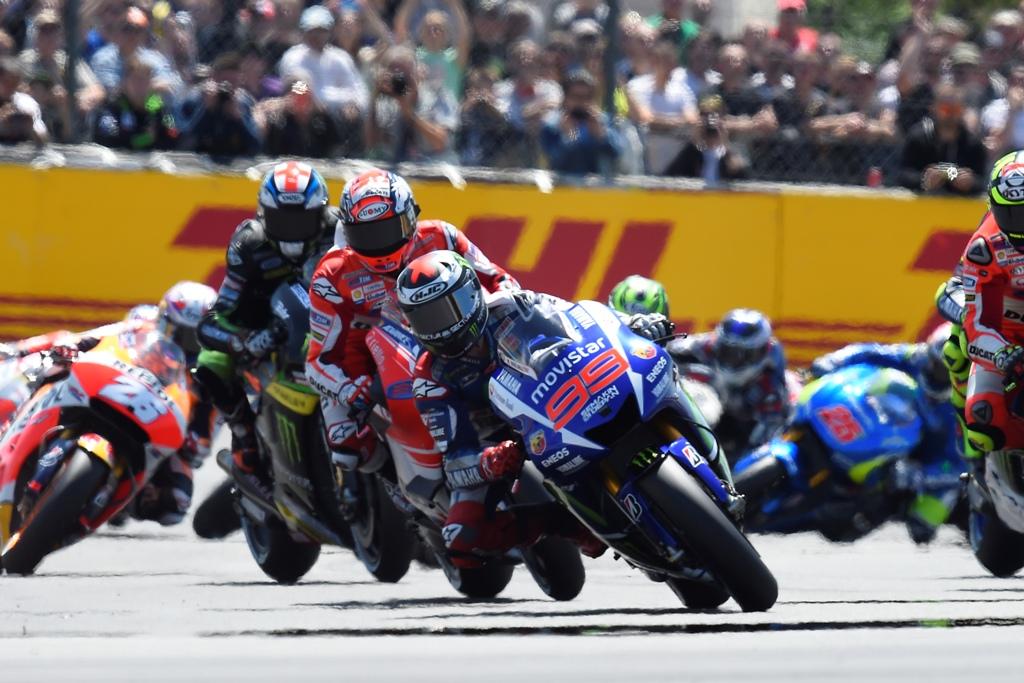 MotoGP 2015, Jorge Lorenzo dominatore anche in Francia