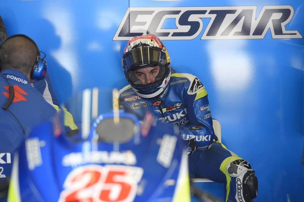 MotoGP 2015, Maverik Vinales al box Suzuki