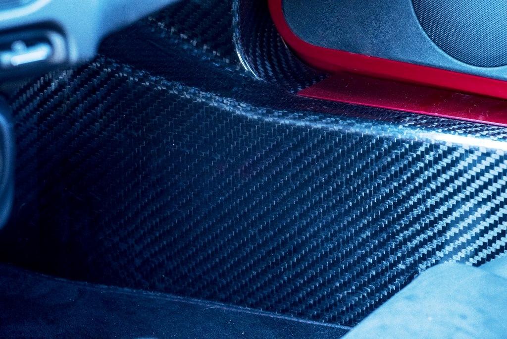 Alfa Romeo 4C, la scocca monolitica in carbonio da 65 kg di peso globale