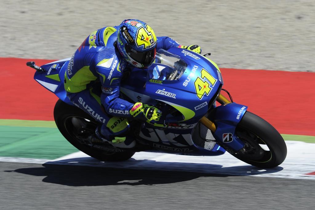 MotoGP 2015, Mugello, Aleix Espargaro, caduto in gara a causa di Petrucci