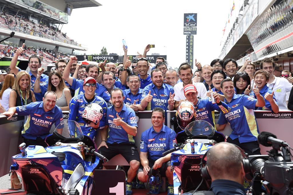 MotoGP 2015, Barcellona, pole position e festa del Team Suzuki Ecstar