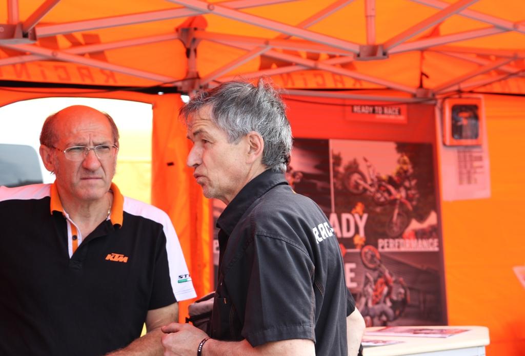 KTM RC390 Cup, CIV 2015, i tecnici KTM, grande lavoro per loro