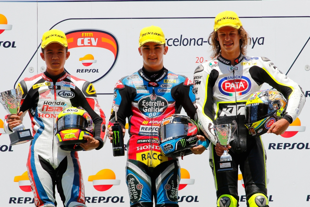Junior Team VR46, il podio di Bulega a Barcellona