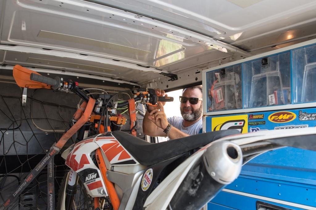 Angelo e la sua KTM Freeride 250 2T preparata per le gare hard enduro