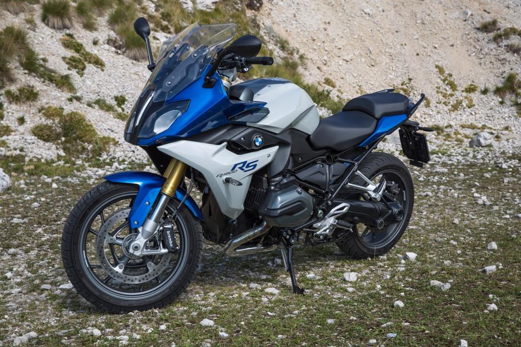 BMW R1200RS, linee decise ed elevata protezione