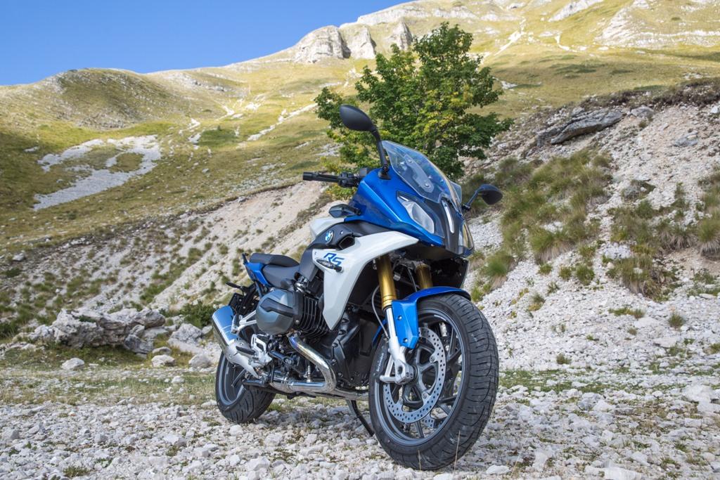 BMW R1200RS, la forcella UD sembra che renda la moto più stabile e sincera