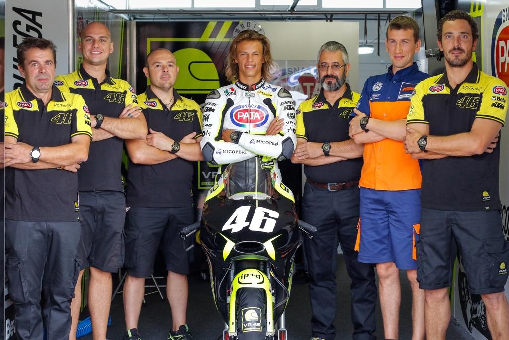 Lo Junior Team VR46 con Bulega e Luca Brivio