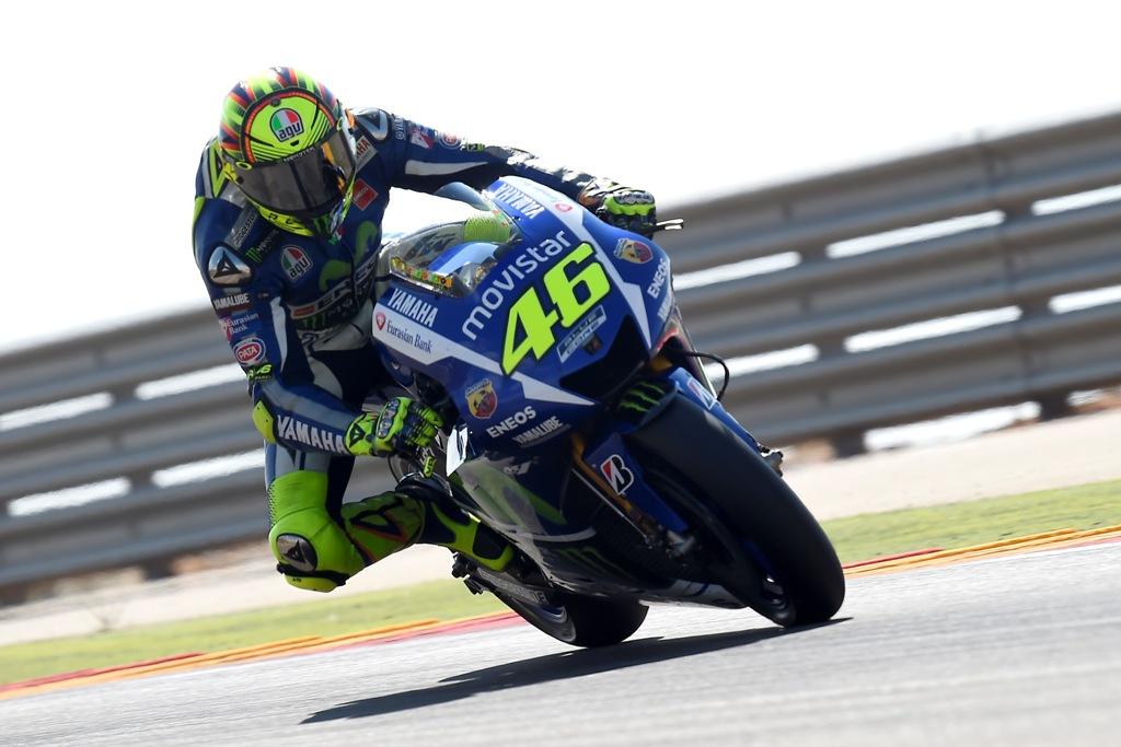 MotoGP Aragon 2015. Valentino Rossi terzo sul podio