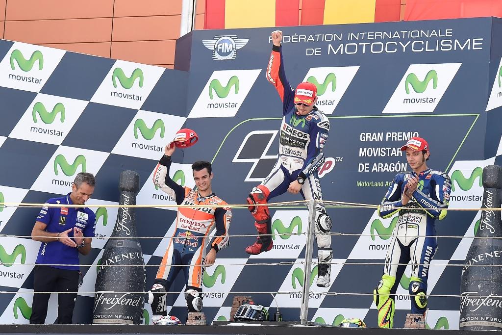 MotoGP Aragon 2015, il podio con Lorenzo, Pedrosa e Rossi