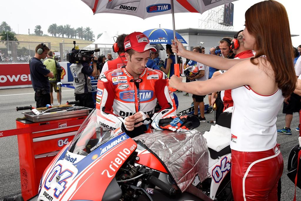 MotoGP 2015, gara no per Dovizioso in Malesia