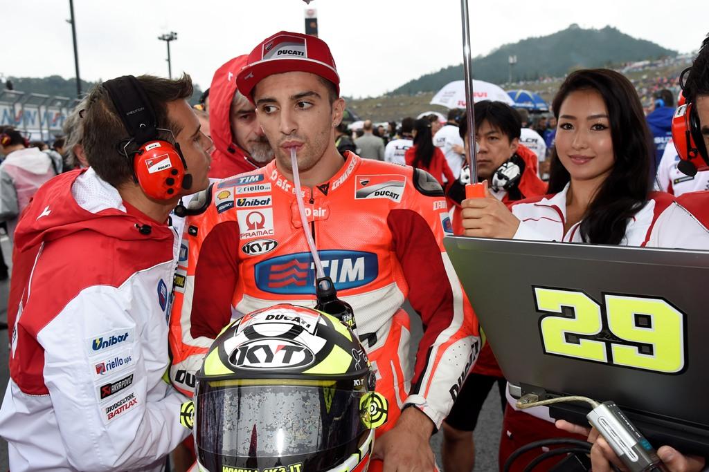 MotoGP 2015, Andrea Iannone, stop per lui per problemi alla sua GP15