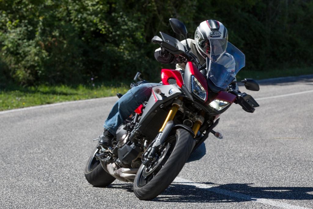Yamaha Tracer è precisa e reattiva