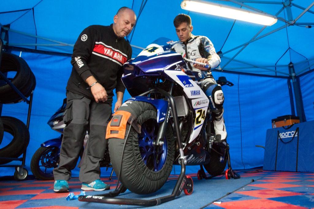 CIV 2015, Yamaha R3 ed il capo tecnico  Moreno Antonioli