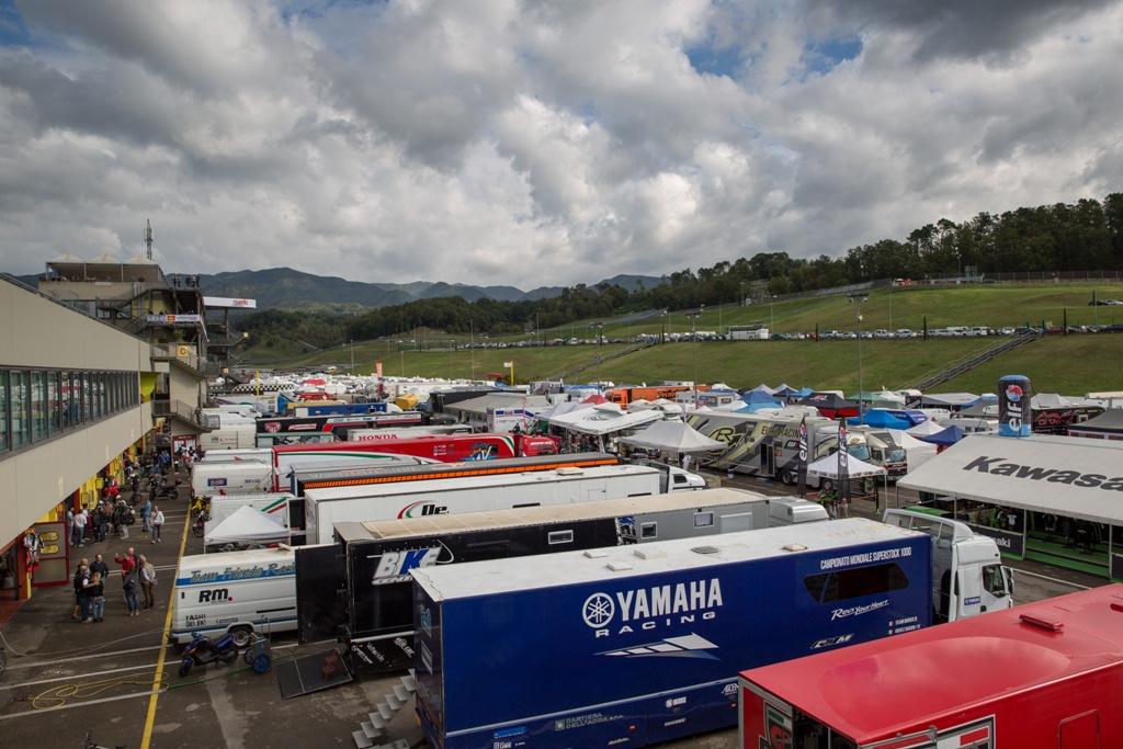 CIV 2015, una vista del paddock del CIV 2015
