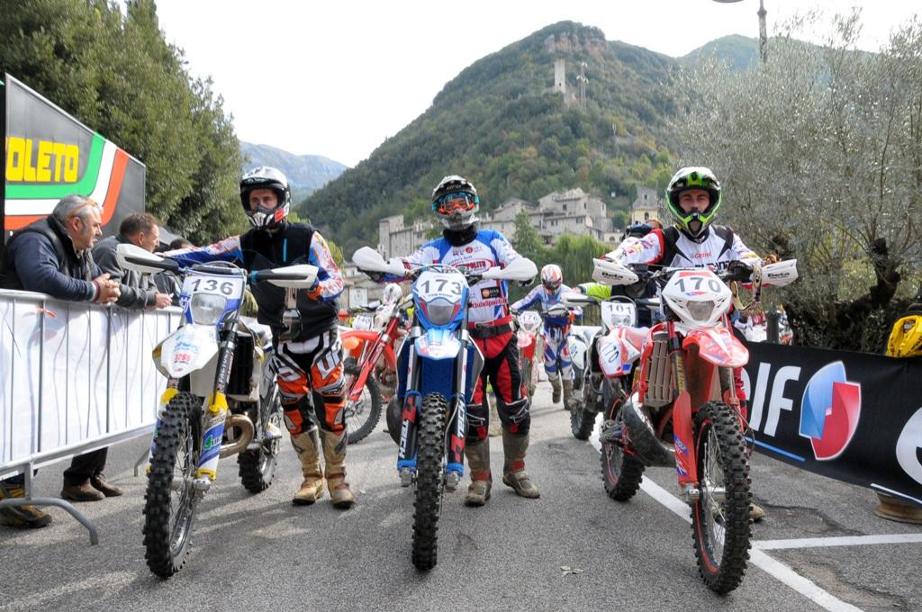 regionale Lazio, Spoleto, Giubettini prima della partenza (sx)