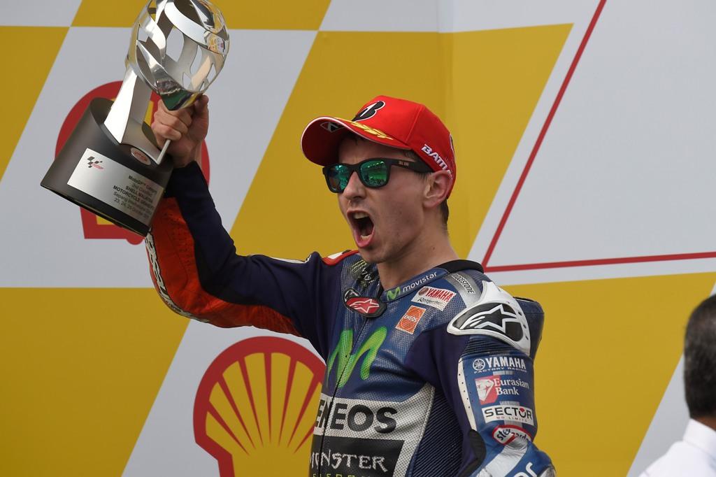 MotoGP 2015, Malesia, Jorge Lorenzo si avvcina a Rossi sempre di più