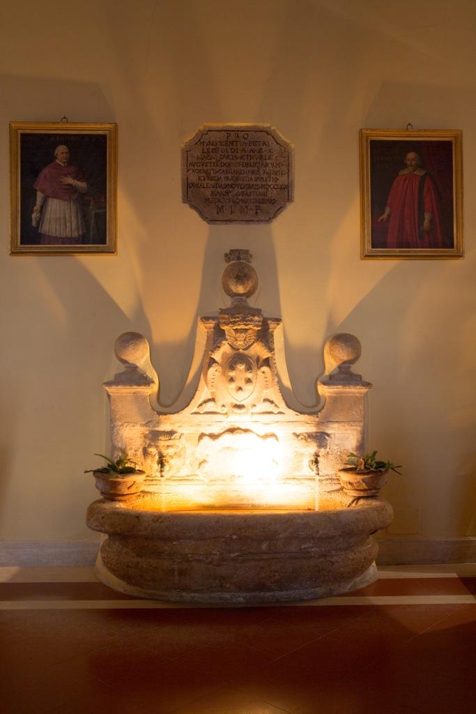 La Fonte. pilastro e simbolo della struttura toscana