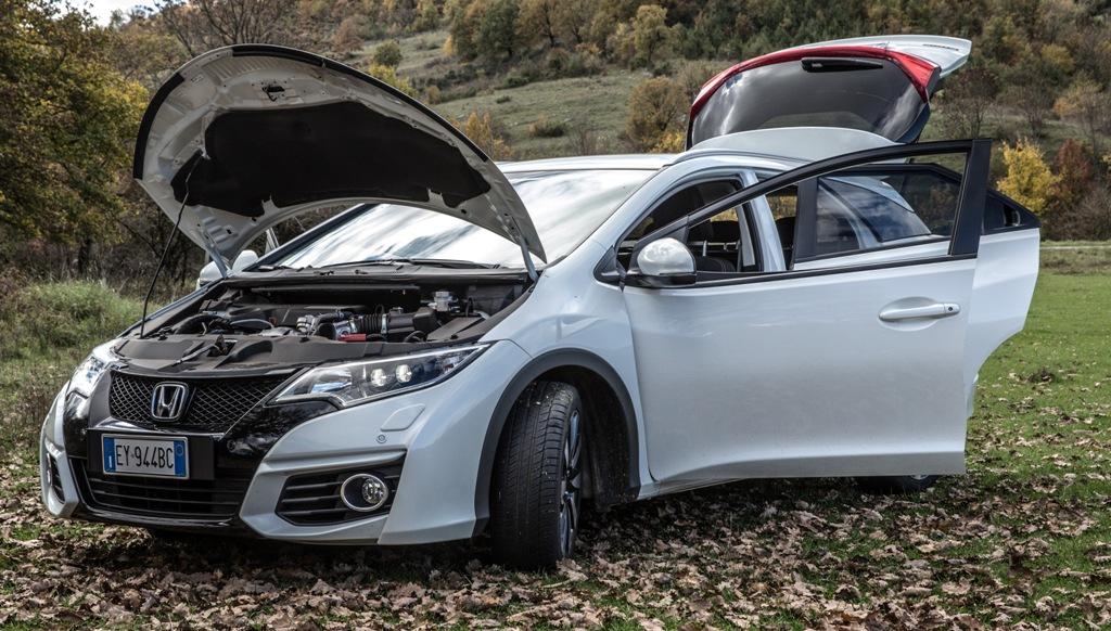 Honda Civic Tourer, capienza e protezione