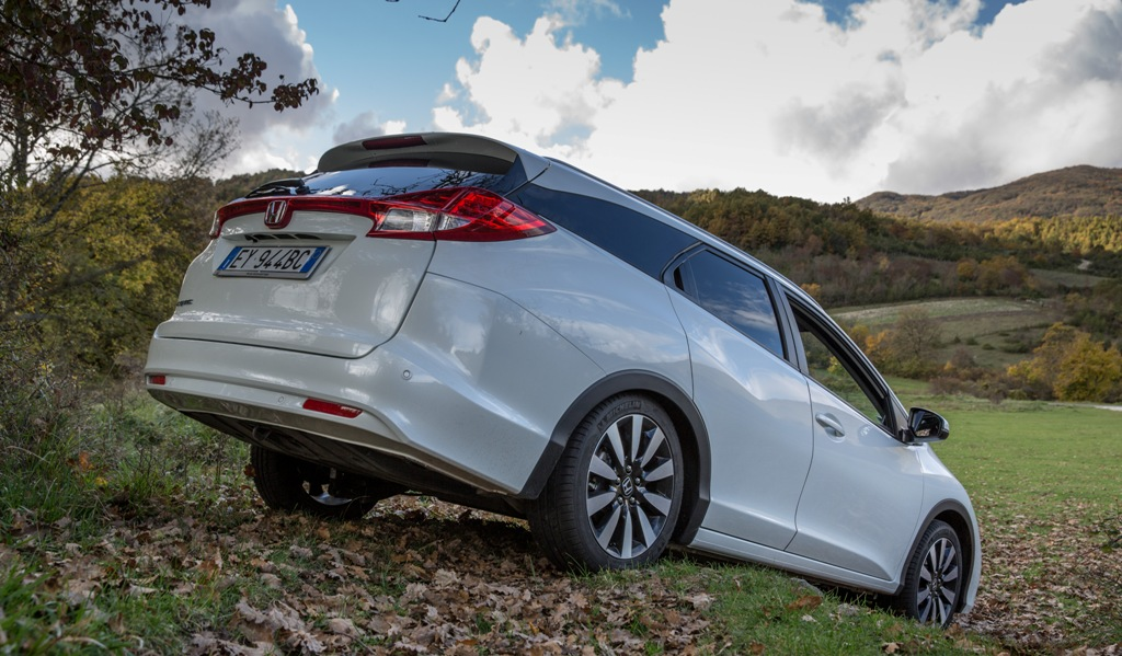 """Honda Civic Tourer, capienza record per la """"C"""" Honda"""