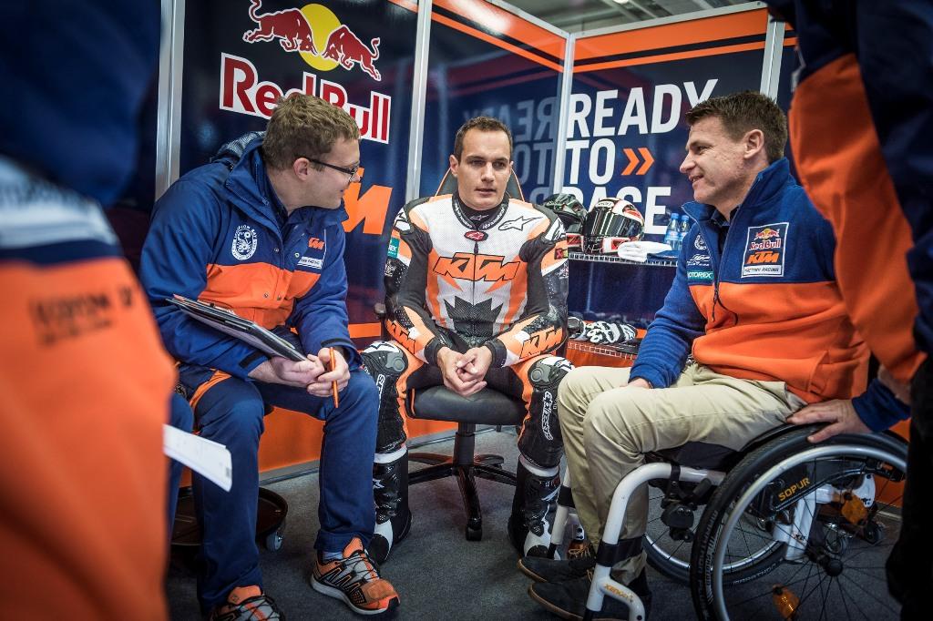 KTM MotoGP, i piloti al box
