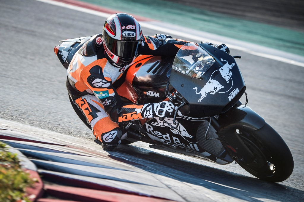 KTM MotoGP finalmente in pista