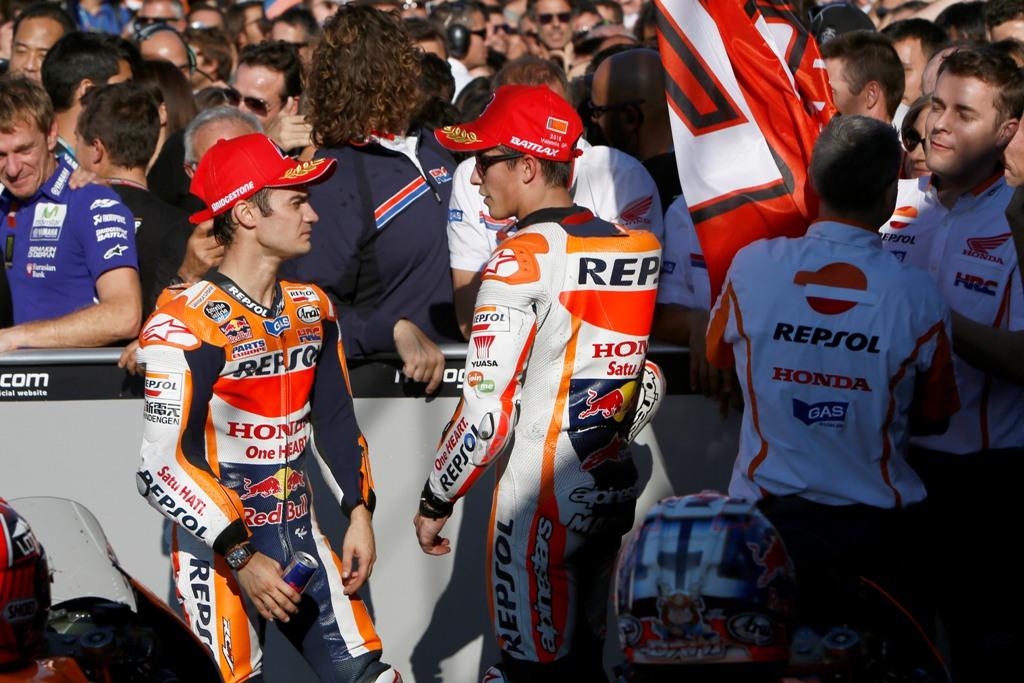 MotoGP 2015, Marquez e Pedrosa subito dopo l'arrivo