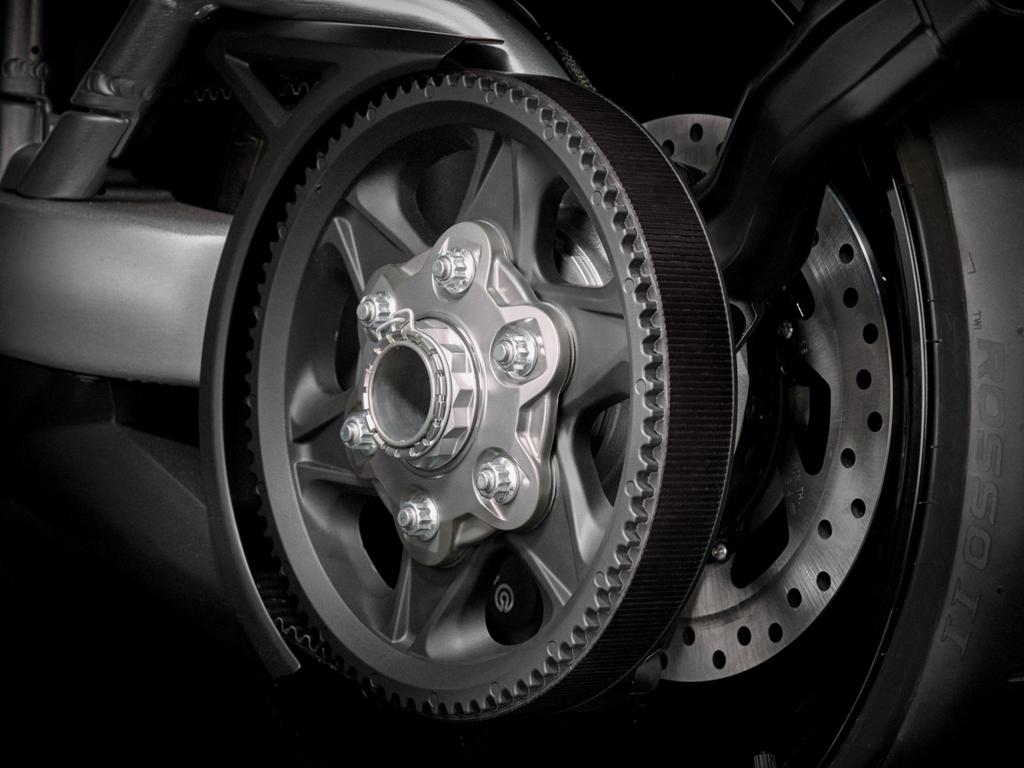 Trasmissione finale a cinghia per la XDiavel, novità per Ducati