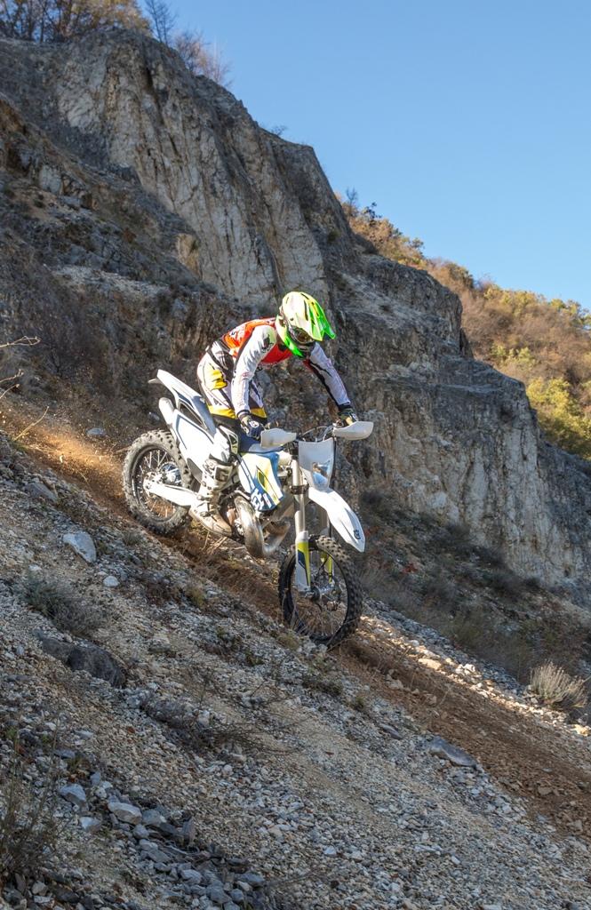 TE250 2016, anche nell'estremo si scopre diversa la nuova moto 2016
