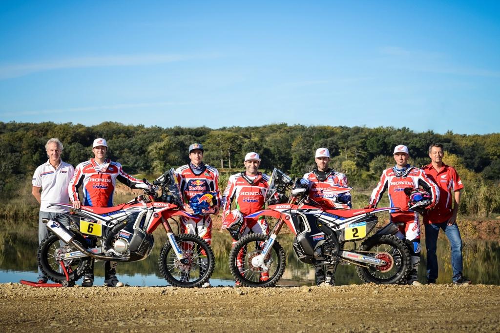 Il Team HRC al completo con i 5 rider della Dakar 2016