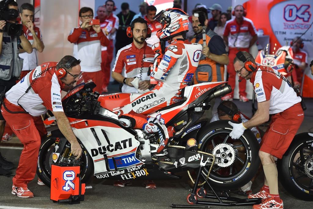 MotoGP 2016, Qatar, Andrea Dovizioso 2° e gara strepitosa