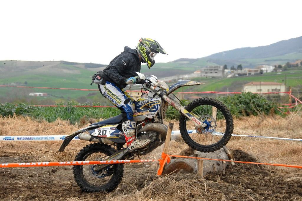 PROGETTO ENDURO 2016, un passaggio della gara di Pietramontecorvino