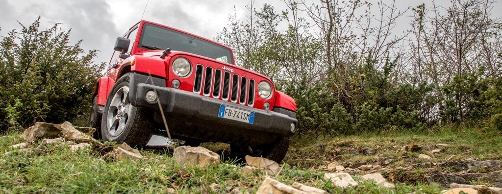 Nessun terreno mette timore alla mitica Wrangler Jeep