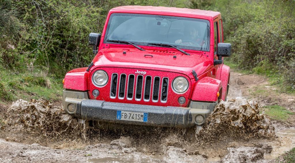 Jeep Wrangler Sahara, i guadi di fango nel nostro test in Sabina