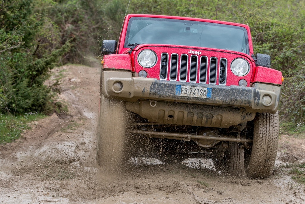 Jeep Wrangler Sahara, inarrestabile...