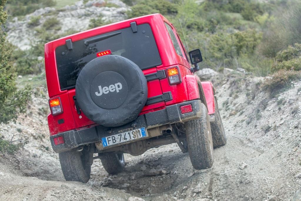 Jeep Wrangler Sahara, un passaggio della nostra prova