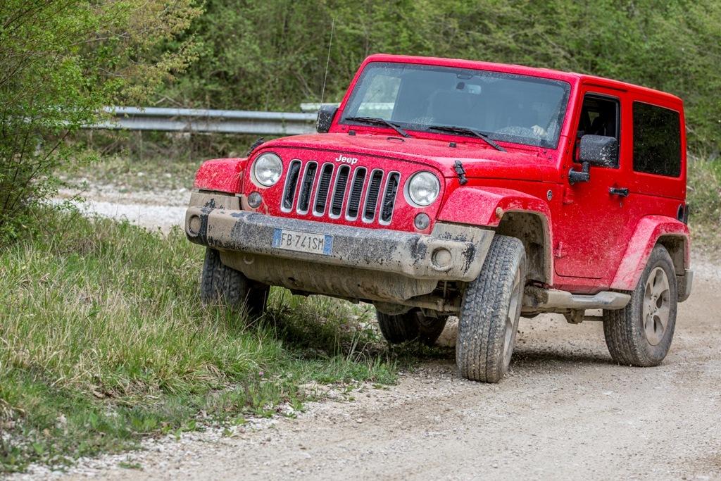 Jeep Wrangler, sovrasterzo di potenza grazie ai 284 Cv